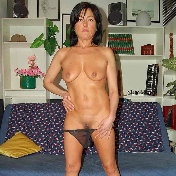 Hot sexy lesbian milfs