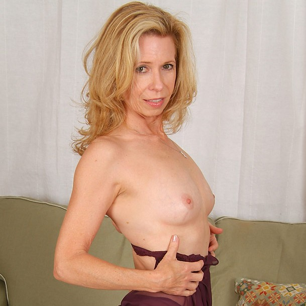 sexy mature ladies live porn chat